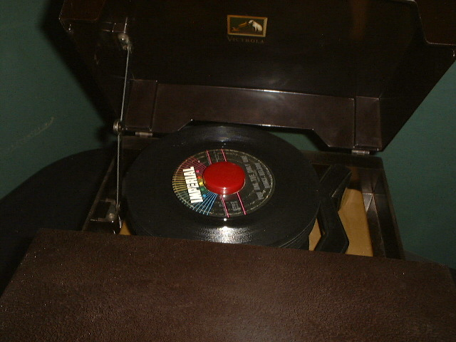 RCA 45 RPM Players - Callaway Clock and Antique Radio Service